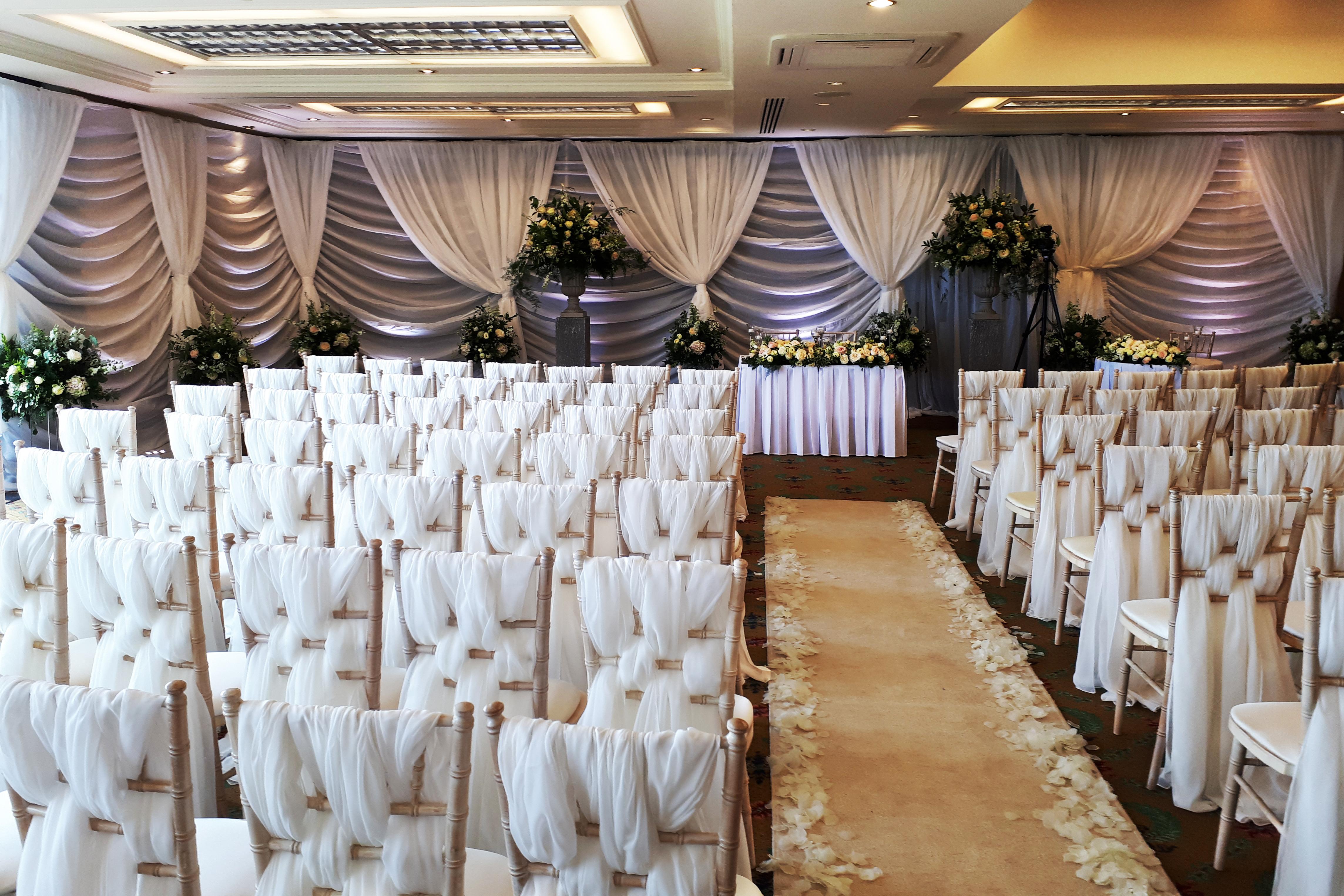 Wall drapes for weddings